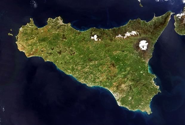 La Sicilia vista dal satellite